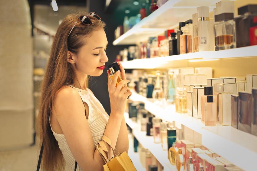 Jak nakupovat parfémy