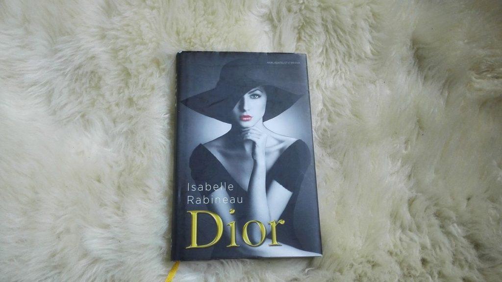 Recenze knihy Dior